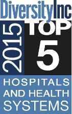 """Logotipo de Diversity Inc en azul, negro y blanco que dice """"5 mejores hospitales y sistemas de salud"""" en 2015"""