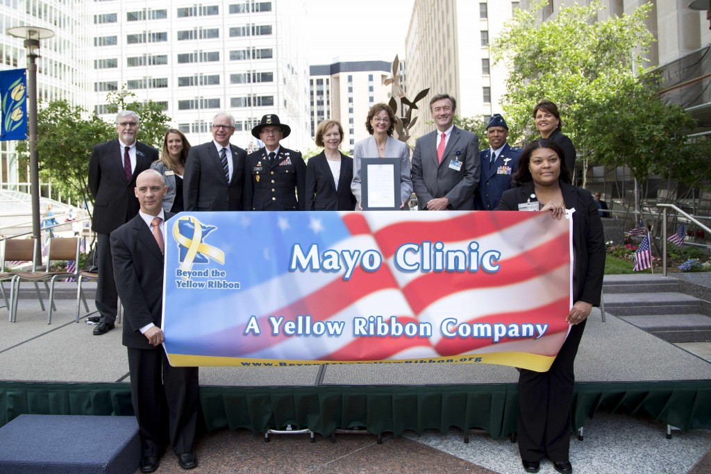 Mayo Clinic Yellow Ribbon Announcement, dignitaries honoring veterans