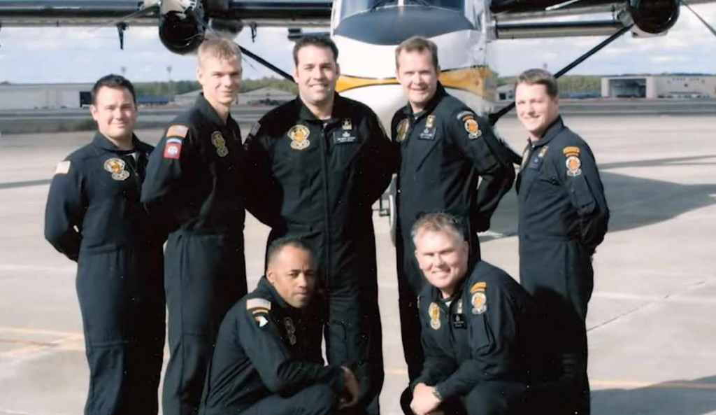 Navy parachute team The Golden Knights