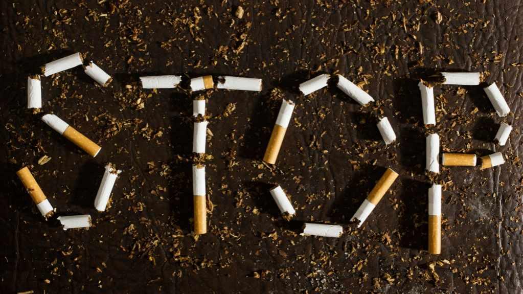 stop smoking sign