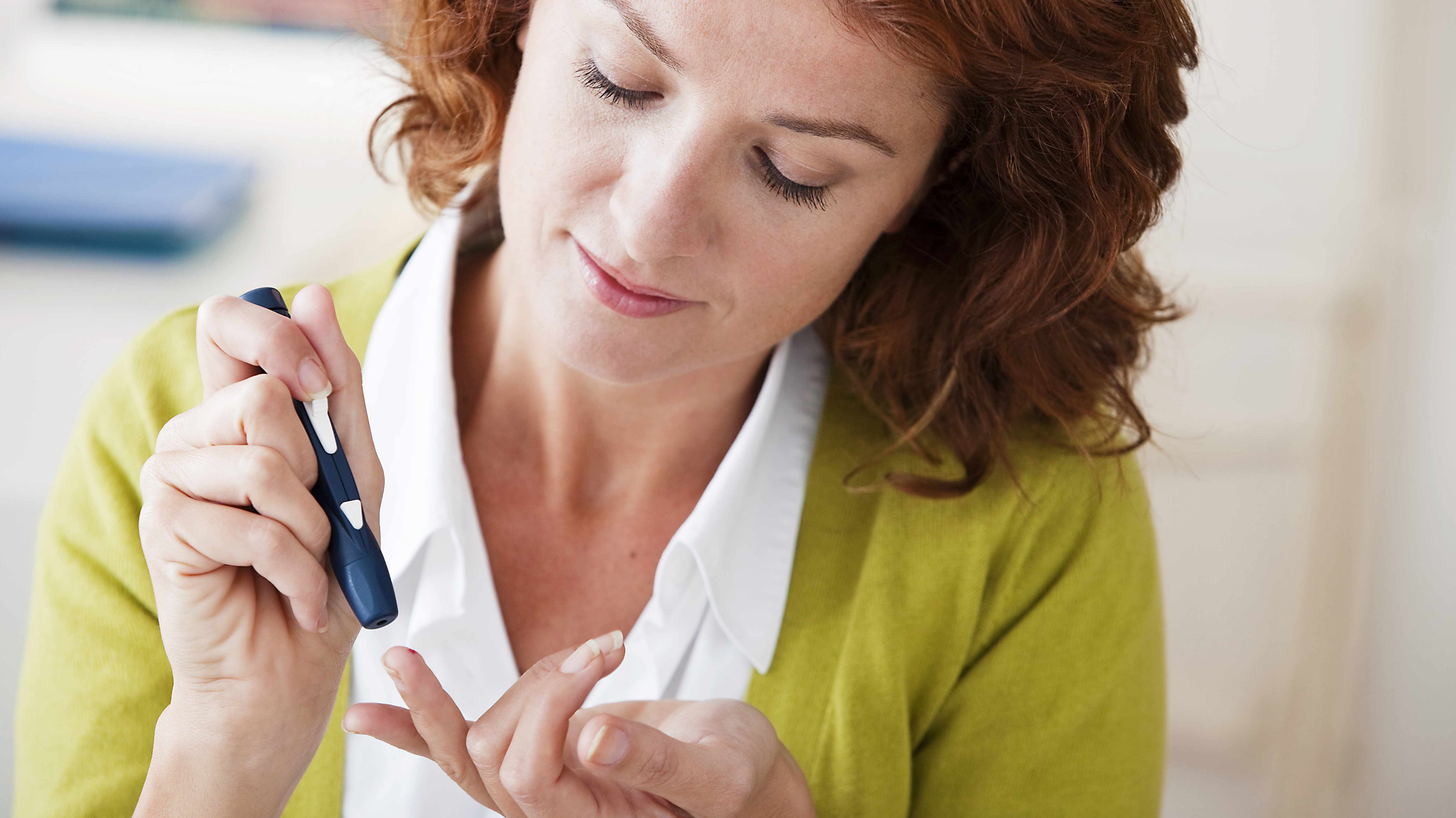 woman with diabetes 16 x 9