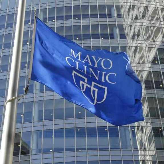 Gonda Building with Mayo Clinic flag in foreground