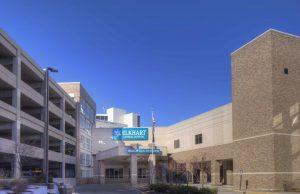 Entrada principal del Hospital General Elkhart