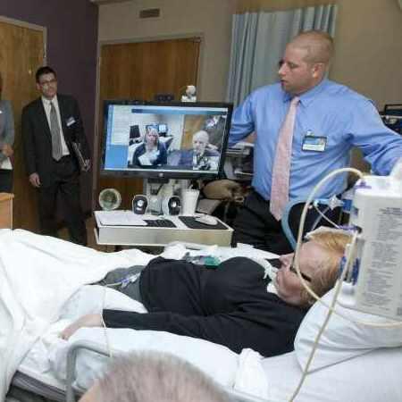 telemedicine team with patient on Jacksonville Florida campus