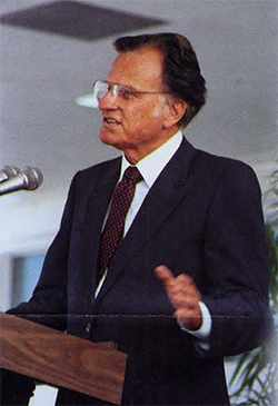 a 1986 photograph of Reverend Billy Graham, the keynote speaker when the Mayo Clinic campus in Jacksonville, Florida, was dedicated