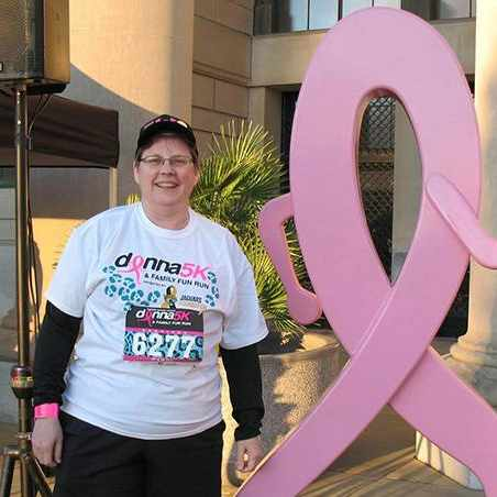 breast cancer patient carol at the Donna5K