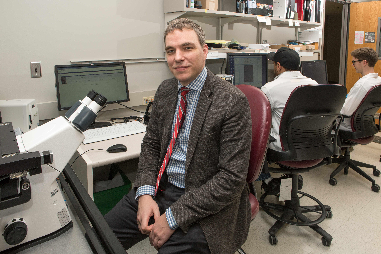 Dr. Alexander Meves in lab