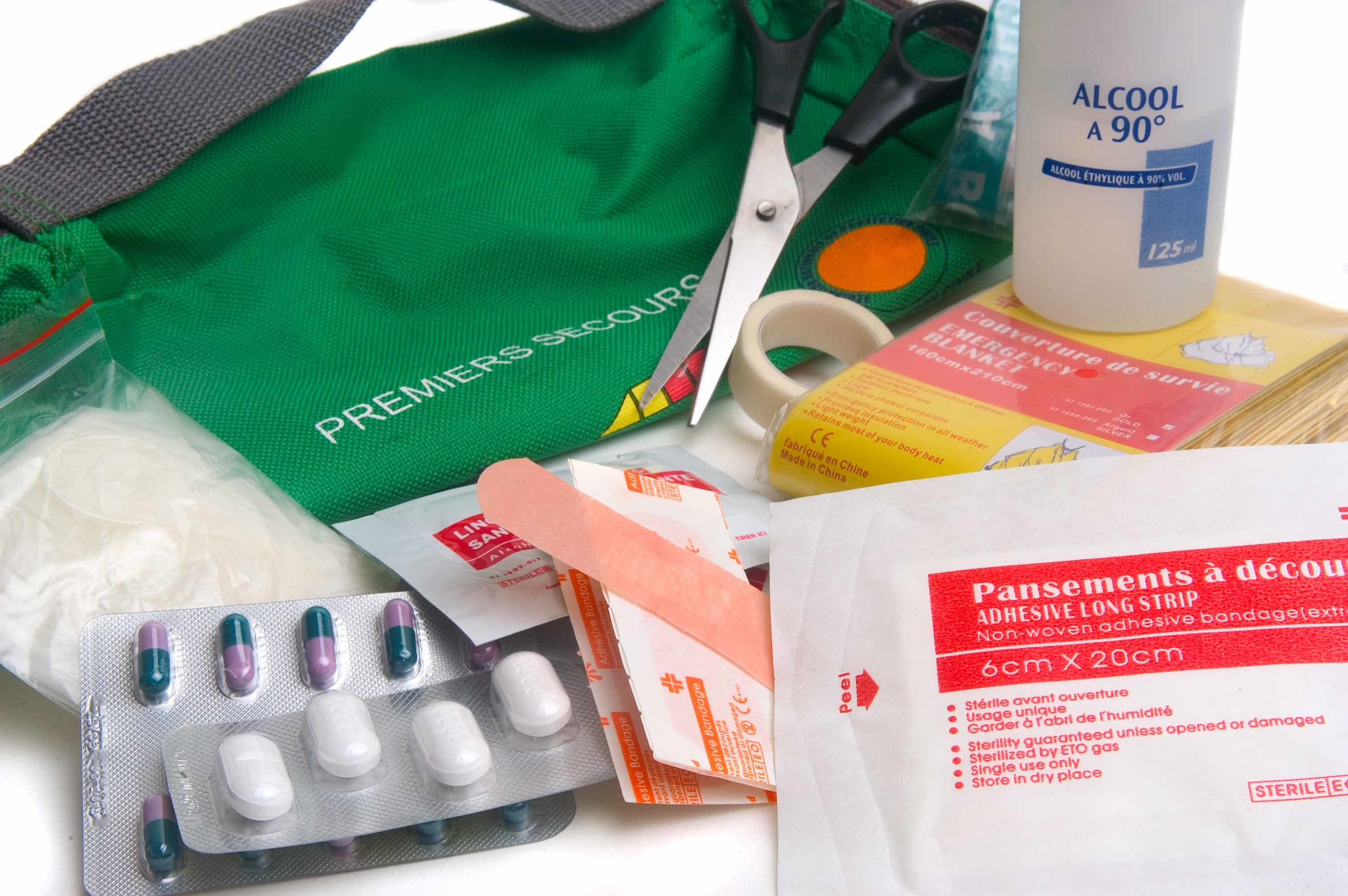 emergency bandages and first aid kit contents