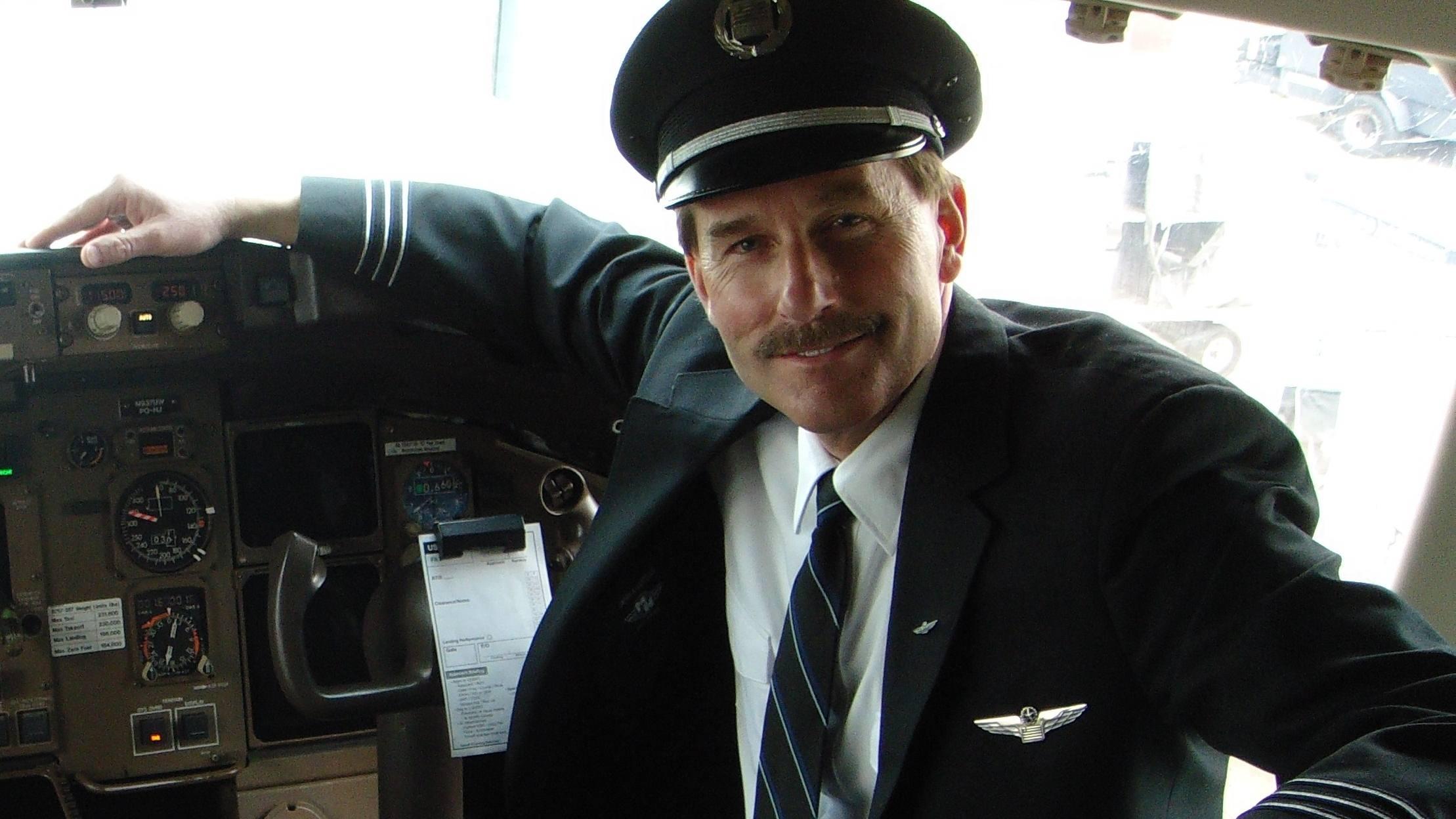 Jeff Skiles in airplane cockpit