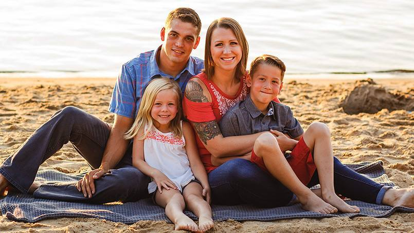 cancer patient Sara Martinek and her family on the beach