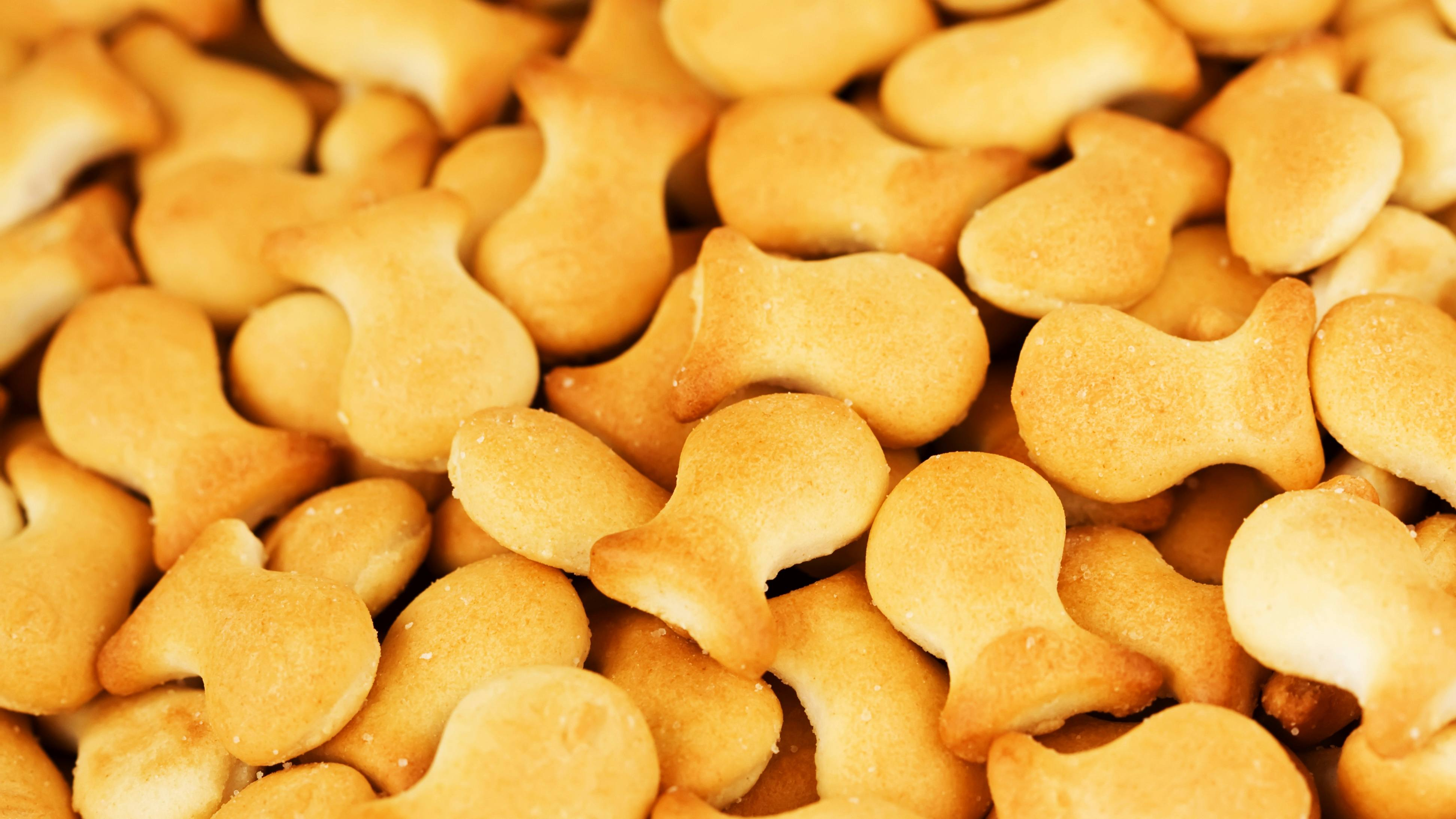 a pile of goldfish crackers for a snack