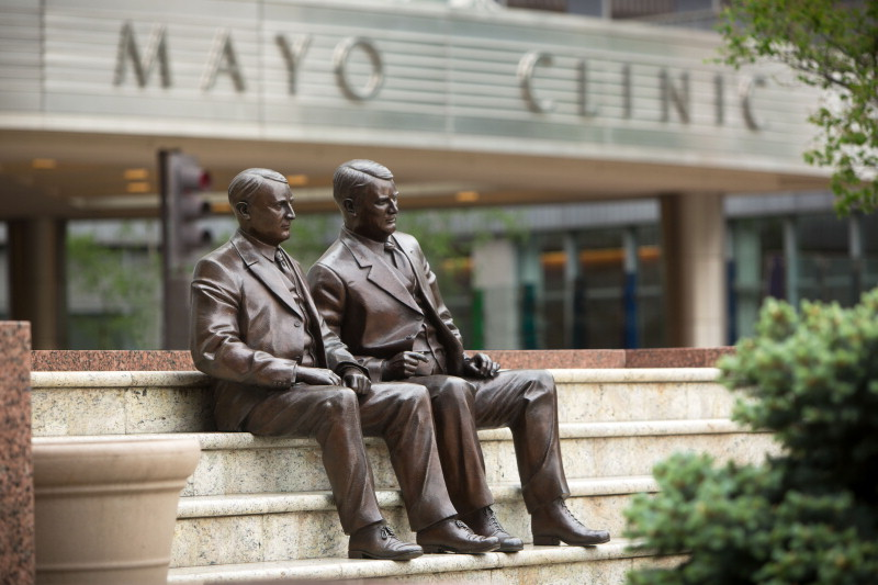 statues of Drs. Will and Charlie Mayo outside the entrance to the Mayo Clinic Gonda building