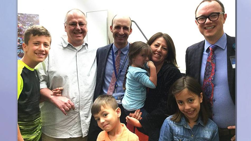 Sharing Mayo Clinic patient Pastor Johann Lochner with his family and Mayo physicians