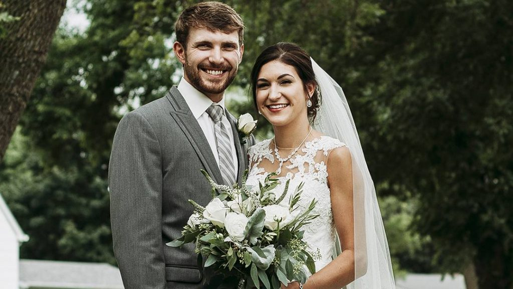 In the Loop patient Christina Anderson and her fiancé, Brandon Jensen, on their wedding day