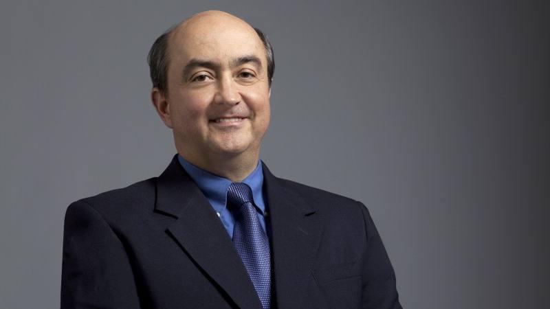 Dr. Julian Molina