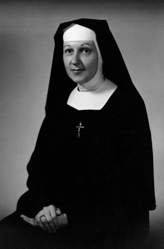 Sister Lauren 1956 Mayo Clinic employee photograph